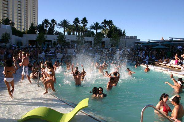 Wet Republic piscina