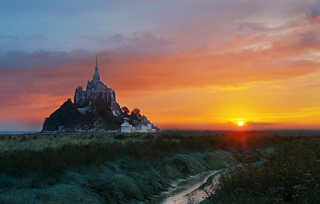 mont saint michel tramonto