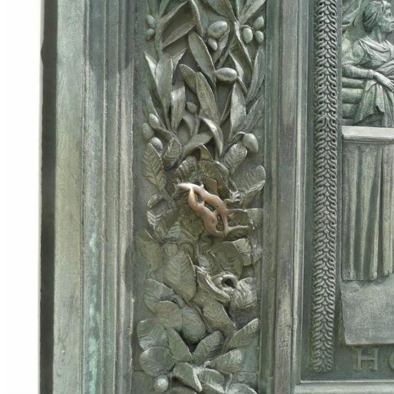 lucertola porta Duomo di Pisa